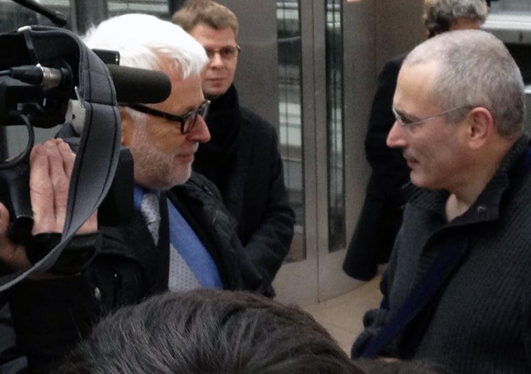 Peter Gysling traf auch hohe Tiere zum Interview: Hier mit Michail Chodorkowskij in Berlin.