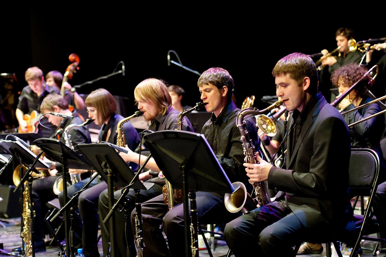 Spielt das Eröffnungskonzert: die Big-Band der Hochschule Luzern.
