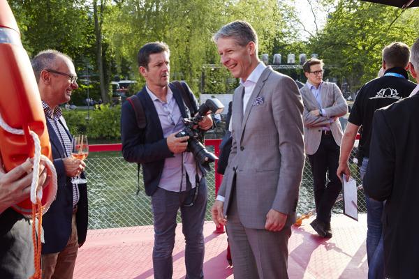 Tourismusdirektor Marcel Perren bei der Eröffnung des Gästival auf der Seerose am 29. Mai 2015.