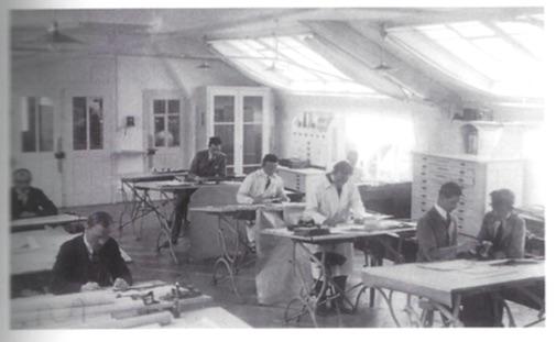 Das Konstruktionsbüro im obersten Stock, 1920. (Firmenarchiv Landis & Gyr)
