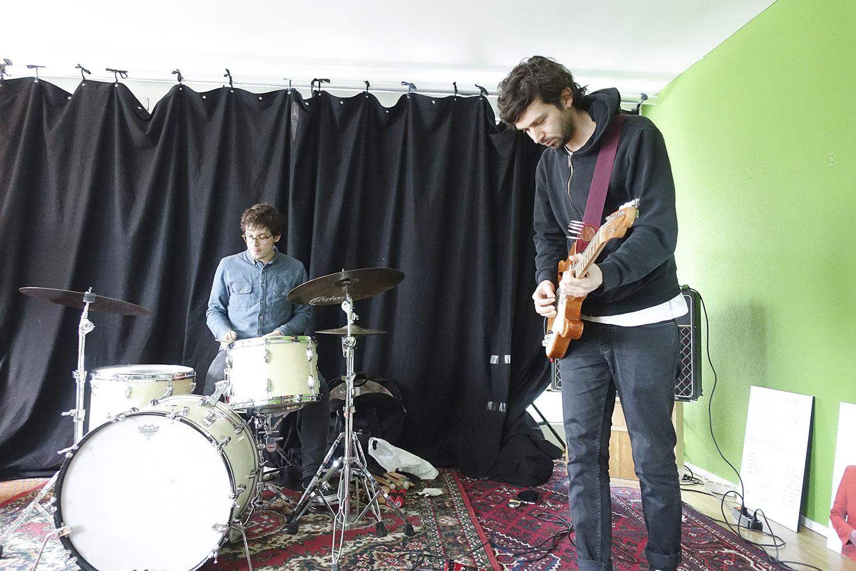 Gitarrist Manuel Troller (rechts). (Bild: jwy)