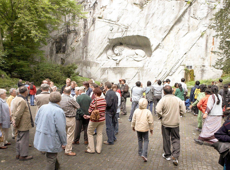 Löwendenkmal: Eine Bar für eine bessere Durchmischung. (Bild: Emanuel Ammon/AURA)
