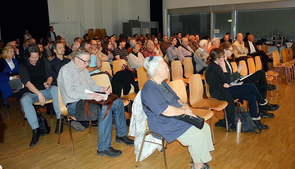 Gut 100 Personen liessen sich am Montagabend im Südpol über die Salle Modulable informieren.
