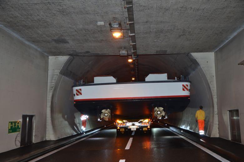 Um den Reussport- und den Sonnenbergtunnel zu durchqueren, war Präzisionsarbeit notwendig.