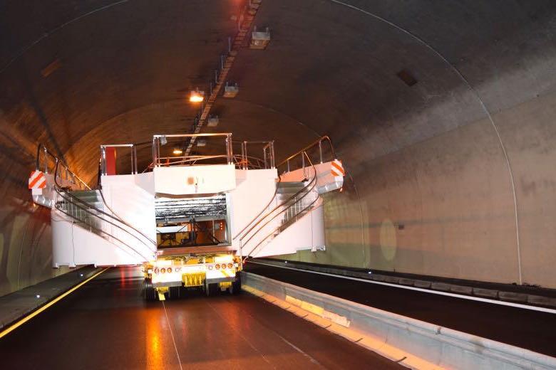 Eine der grössten Herausforderungen auf dem Weg nach Luzern war der Reussporttunnel.
