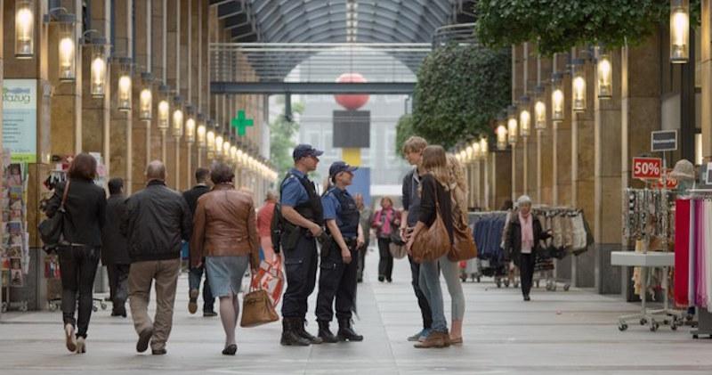 Bald nur noch in Zug beheimatet? Der Kantonsrat debattiert über eine Streichung von Polizeistellen.