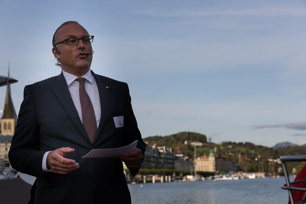 Daniel Medici, Präsident der SNG, bei seiner Begrüssungsansprache