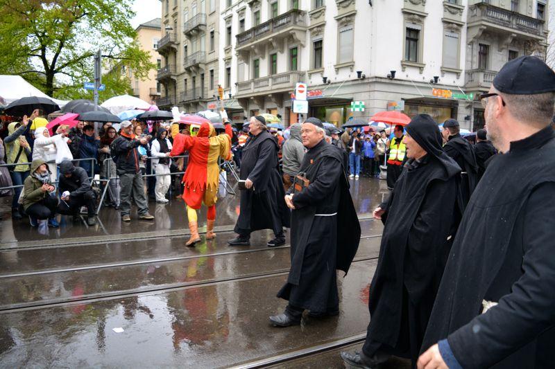 Die Barmherzigen Beichtväter, in der Mitte der Luzerner Regierungsrat Paul Winiker.