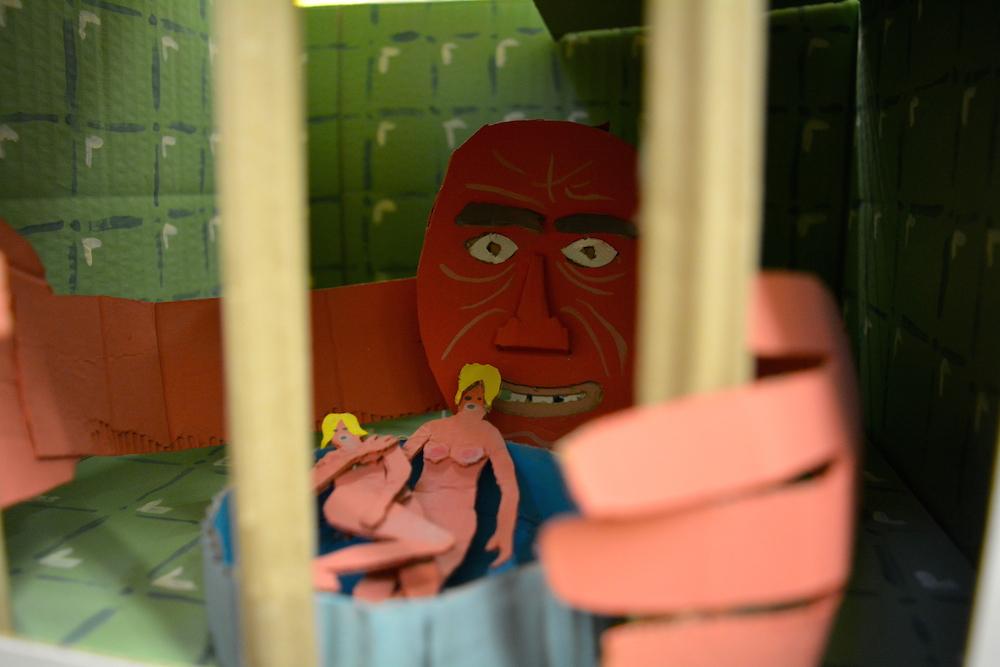 Gruslig und schräg muten die Spielzeuge von Mr. Seico an. (Bild: jav)