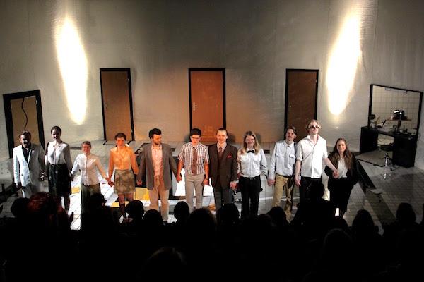 Das junge Enseble bei der Premiere im Neubald.