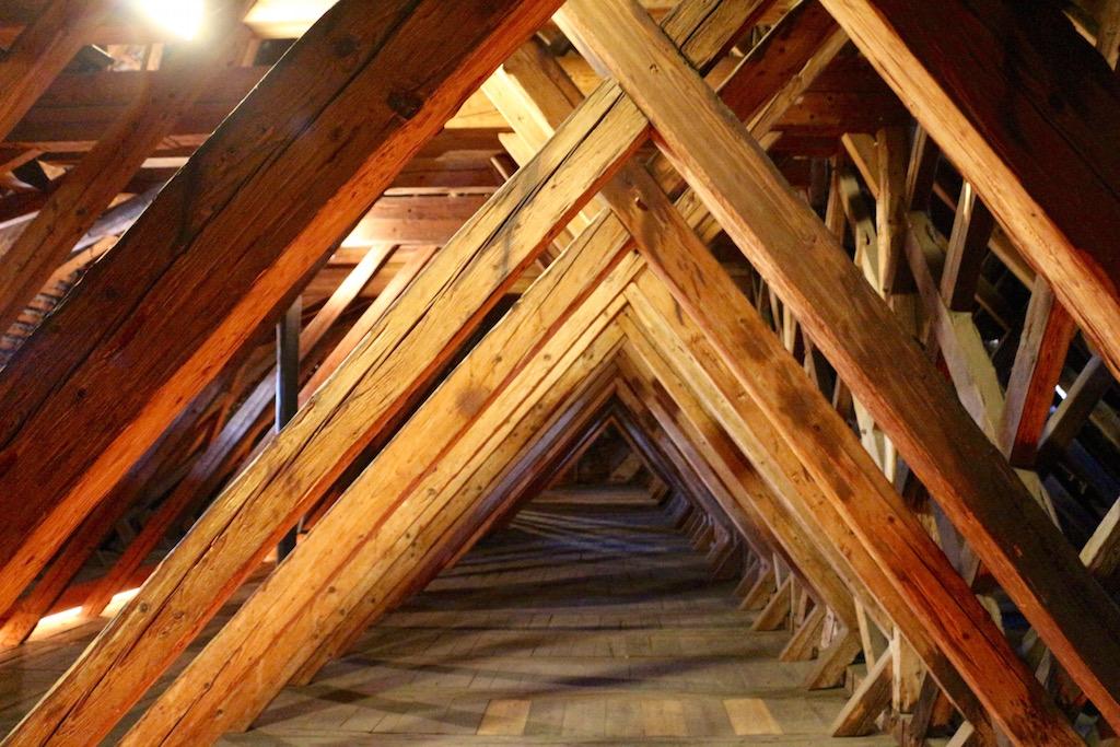 Der Dachstuhl der Kirche St.Martin Baar.