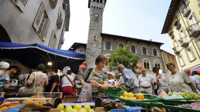 Der Wochenmarkt in Bellinzona.