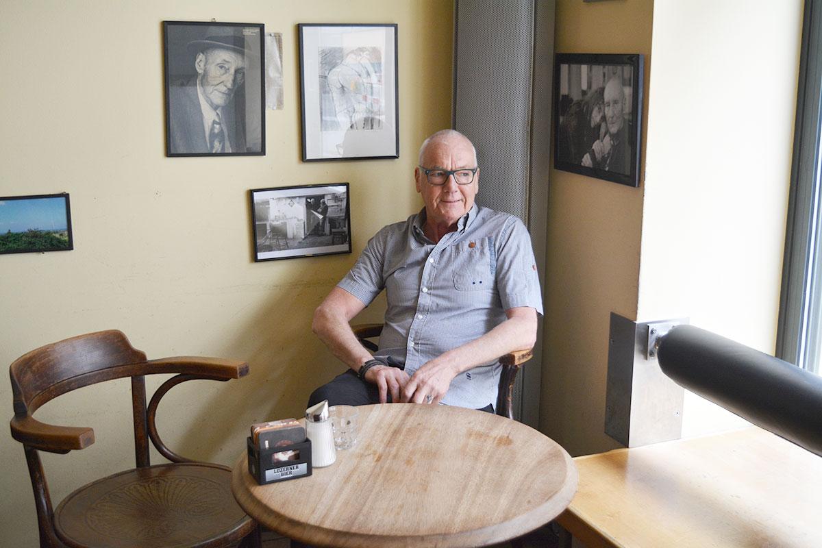 Wird wohl Zeit brauchen, um sich ganz zu verabschieden: Henk Bergmans in der «Jazzkantine». (Bild: jwy)