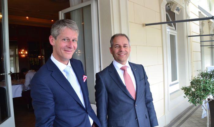 Marcel Perren und Philipp Gmür auf dem Balkon des Grand Casinos Luzern.