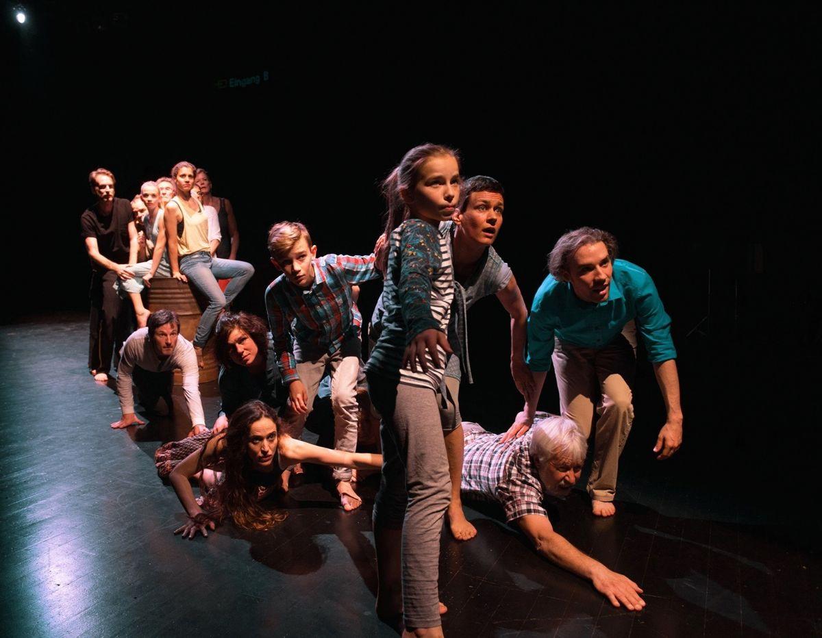 Eine Szene aus dem Stück «Biografie-Spiel» von Nicole Davi.