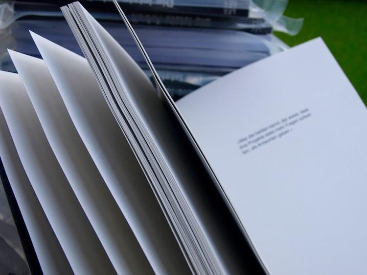 Einblick in das letztlich doch bedruckte Buch. (Bild: Hoffnung+Kiwi)