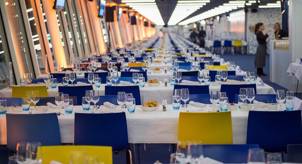 Im Innenbereich kommen vor allem VIP-Gäste auf ihre Kosten (Foto: Madeleine Duquenne/meienberger-photo.ch).