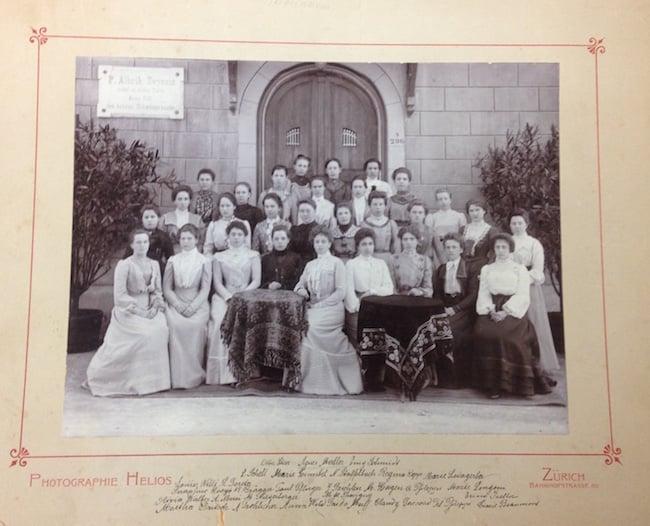 Hübsche Bräute: Ein Foto aus alten Salesianum-Zeiten.