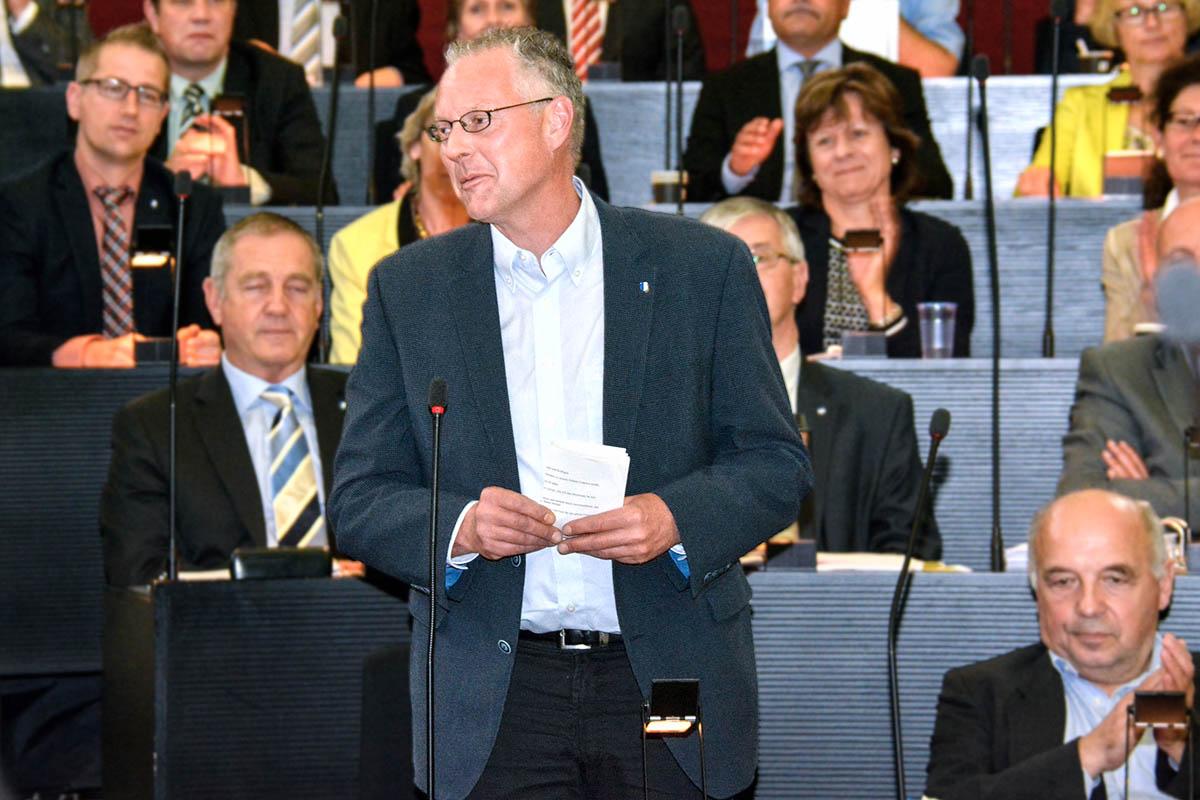 Andreas Hofer nach seiner Wahl zum Kantonsratspräsident.