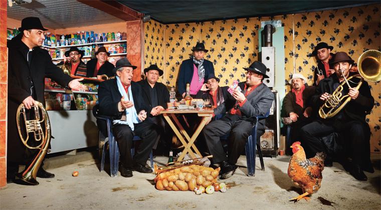 Die «berühmteste Balkan Brassband der Welt» aus Rumänien verspricht am 12. November Bombenstimmung in der Chollerhalle. Ihr Programm heisst «Onwards to mars!».