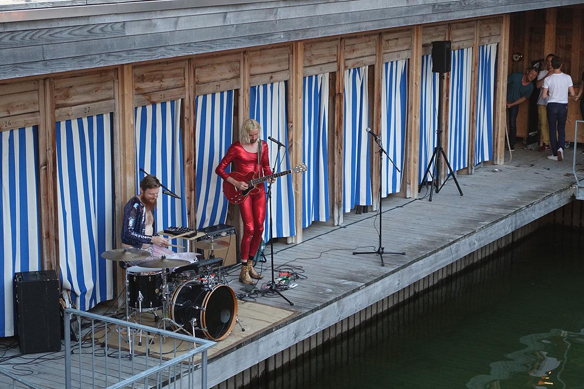 Das Duo Blind Butcher eröffnete den Abend im Seebad. (Bild: jwy)