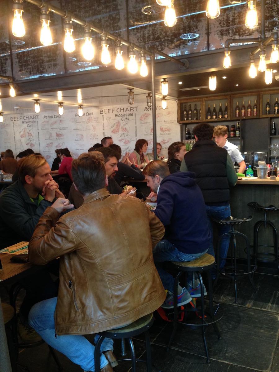 Das Restaurant platzt aus allen Nähten. (Bild: pbu)