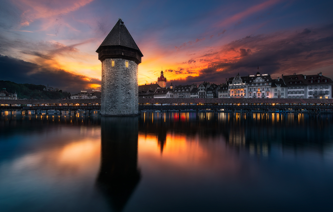 Der Wasserturm im Licht des Sonnenuntergangs (Bild: Patrick Hübscher Photography)
