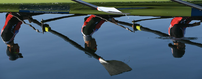 Muss nicht nur bei schlechtem Wetter draussen trainieren: der Schweizer Leichtgewichtsvierer (Bild: Detlev Seyb, Schweizerischer Ruderverband).