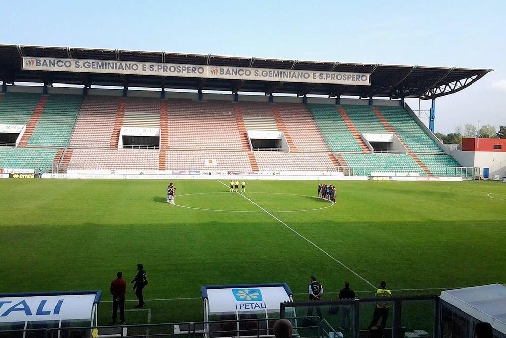 Italienische Stadien haben nicht den Ruf die modernsten der Welt zu sein. Auch das Mapei-Stadion von Sassuolo nicht.