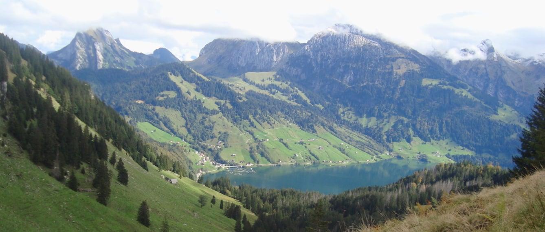 Sattel zwischen Chli und Gross Aubrig mit Blick auf Wägitalersee. (Bild: Marcel Hähni)