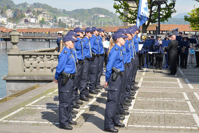 Ist das Aufgabe des Kantons? Feierliche Vereidigung von Polizisten im April 2016. (Bild: Kanton Luzern)