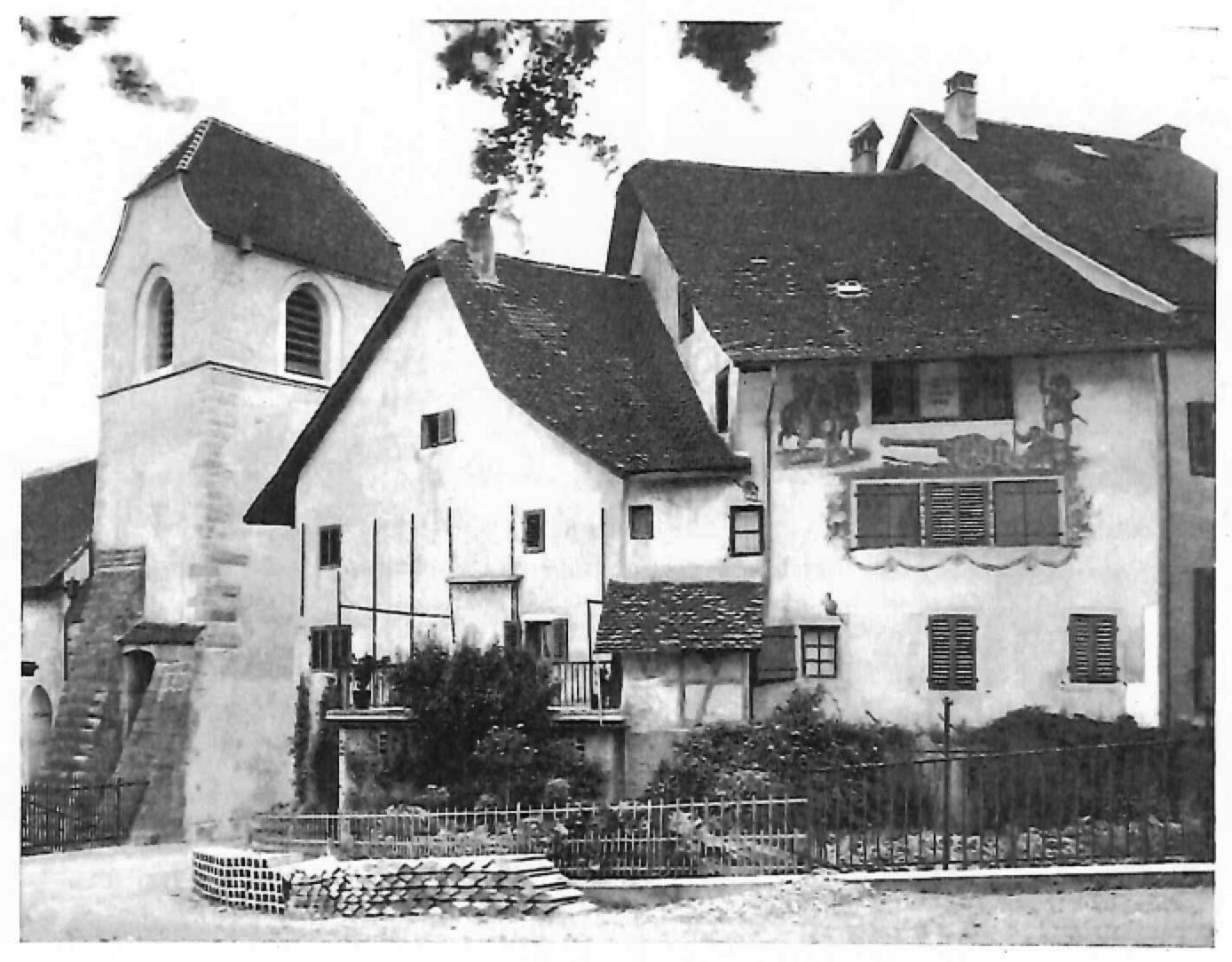 Alte Fassade: Früher Schiessscharten in der Stadtmauer, heute richtige Fenster