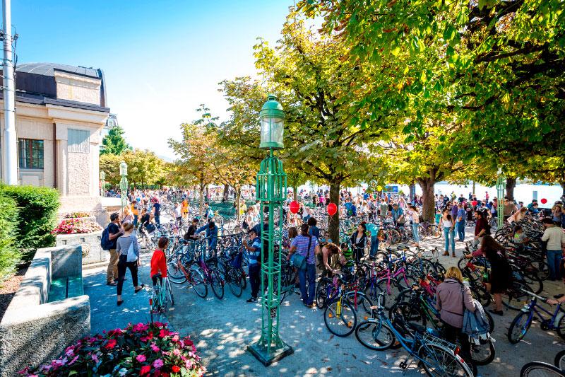 Am Nationalquai, wo zweimal jährlich die Velobörse stattfindet, sollen die Zweiräder auch fahren dürfen, finden SP und Grüne.