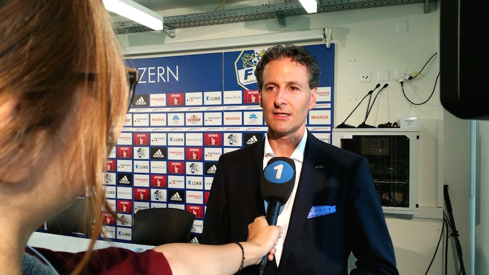 FCL-Präsident Philipp Studhalter gibt vor den Medien Auskunft, warum sich der Club für Marcel Kälin als neuen Geschäftsführer entschieden hat.