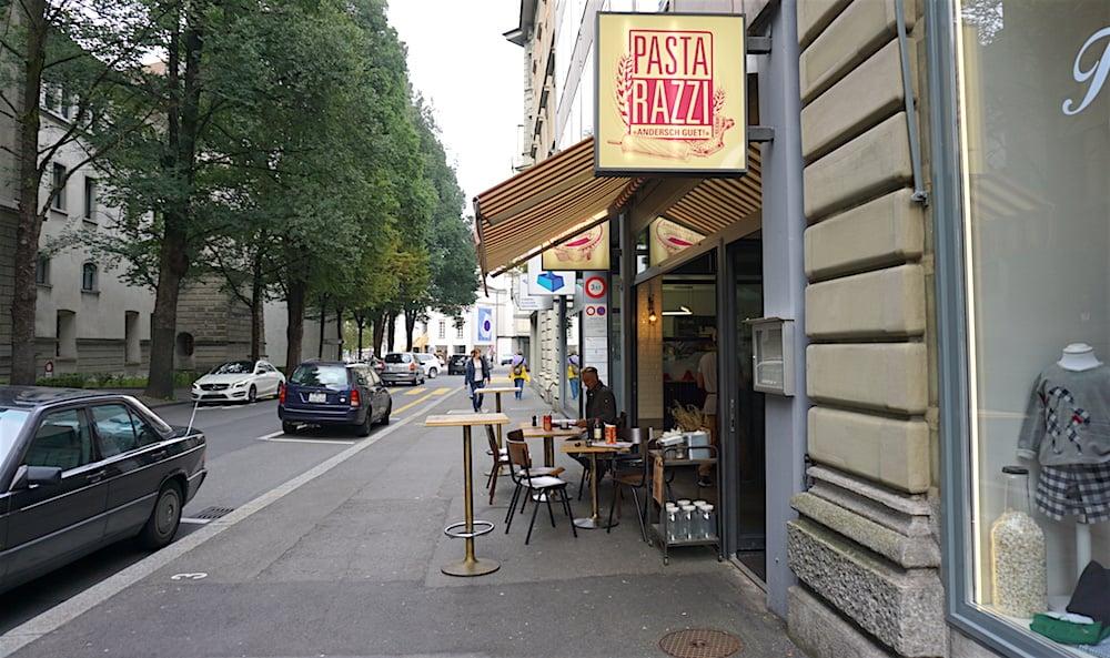 Zwischen dem Theater und der Stadtverwaltung am Hirschengraben gelegen, läuft das Pastarazzi besonders am Mittag gut. (Bild: jal)