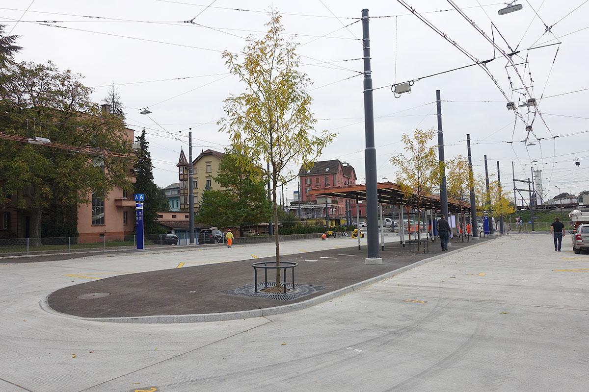 Noch ist der neue Emmer Bushub leer, aber das ändert sich ab 10. Dezember. (Bild: jwy)