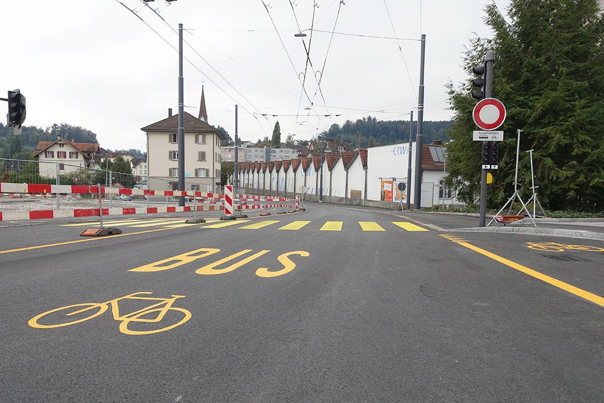 Die Hauptstrasse durch Reussbühl wird zur 30er-Zone und autofrei. (Bild: jwy)