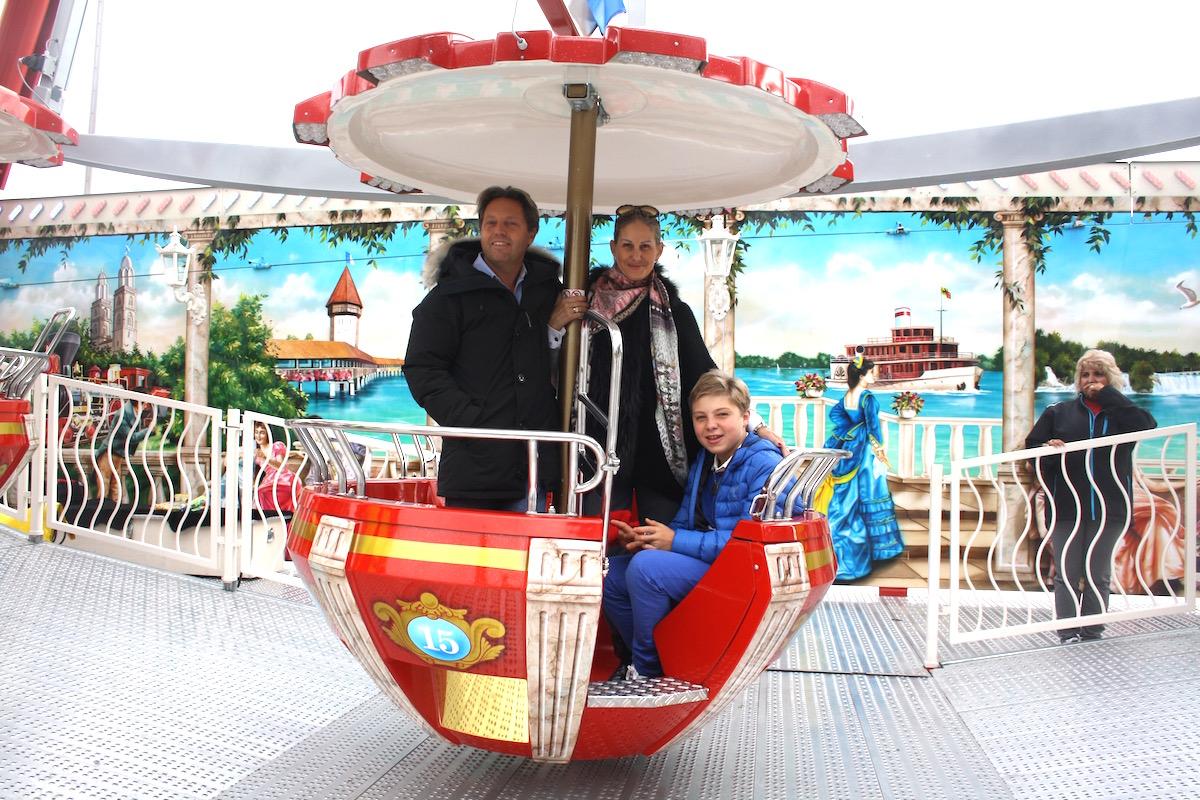 Heute betreiben Anja und René Bourquin das Riesenrad und eine Auto–Scooter–Bahn.