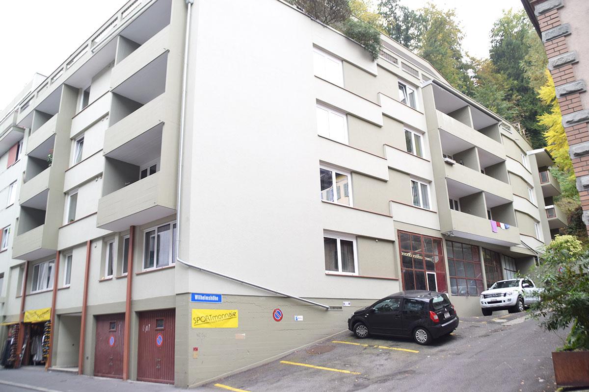 Oberhalb der Garagen ist das Restaurant geplant. Das Haus steht an der Gibraltarstrasse 15. (Bild: jwy)