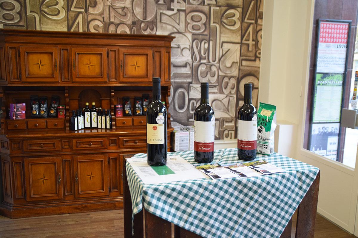 Neben einem Essensangebot verkauft Made in Sud auch Weine. (Bild: jwy)