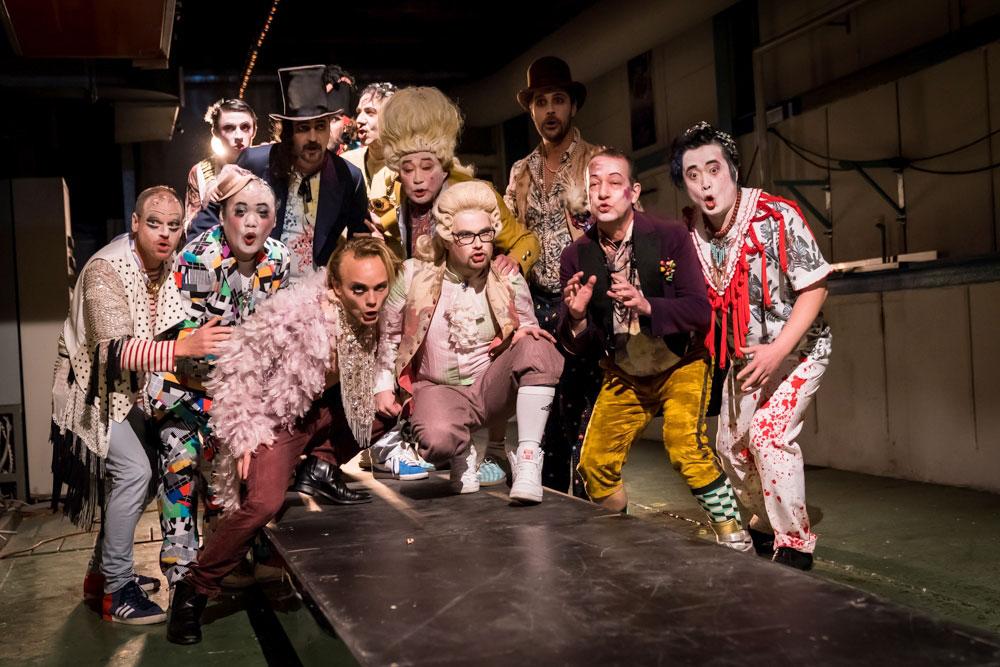 Die Darsteller der «Rigoletto»-Aufführung – am Sonntag ist Premiere. (Bild: Luzerner Theater)