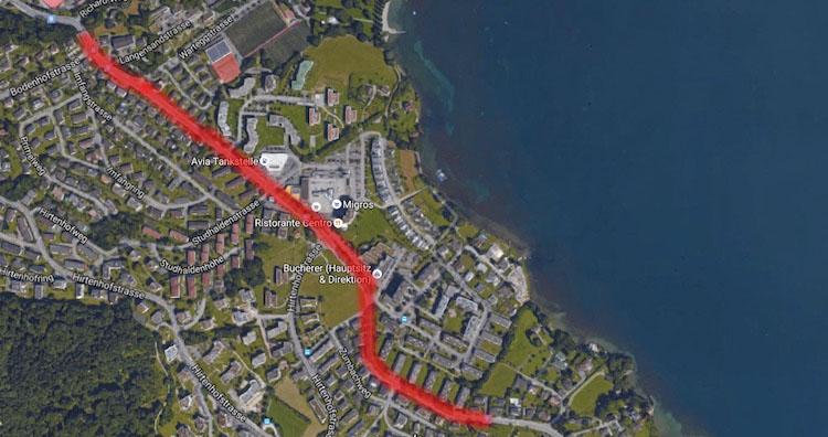Die Langensandstrasse (rot markiert) aus der Vogelperspektive. (Google Maps)