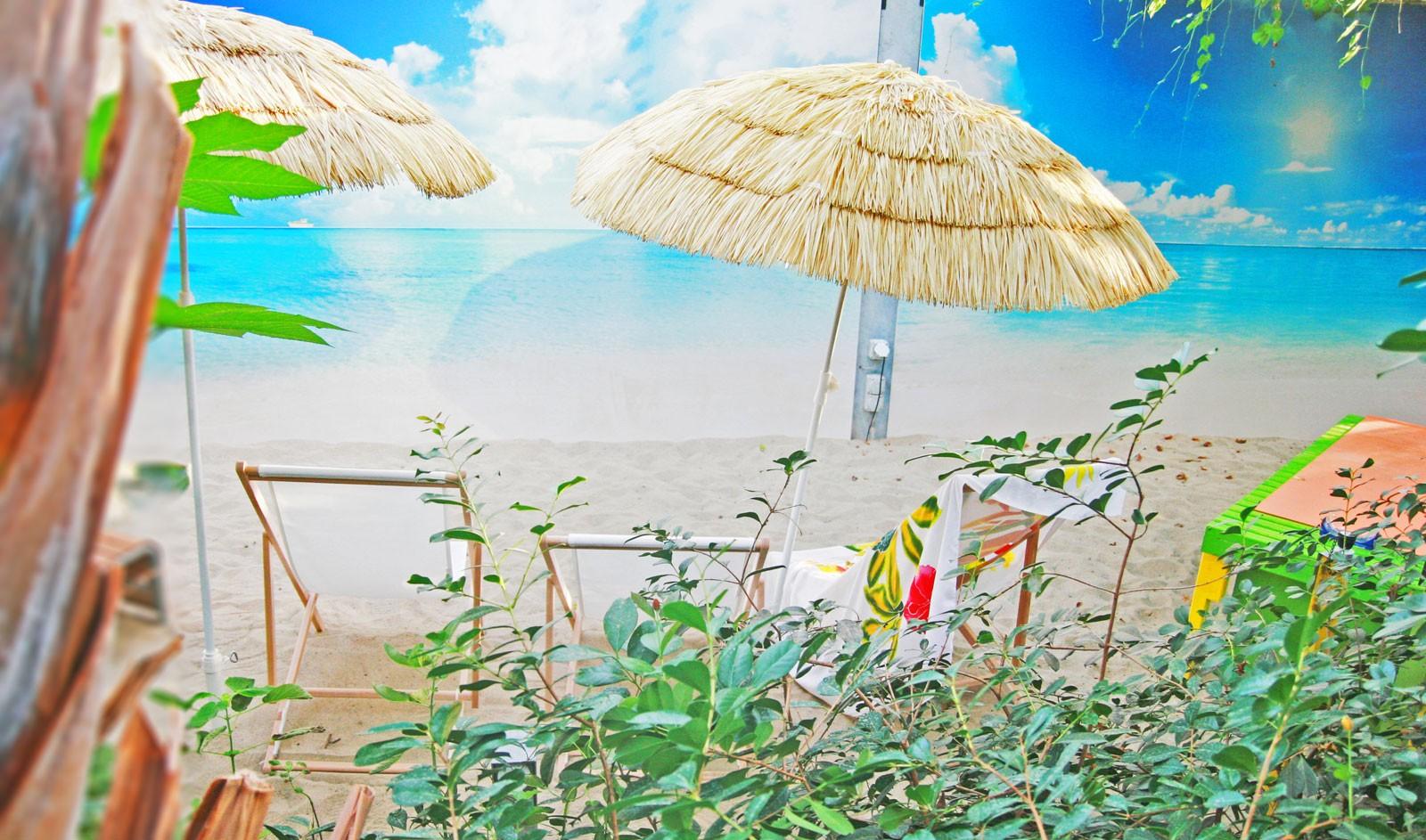 Hier lässt man sich gerne treiben: der hauseigene Strand.
