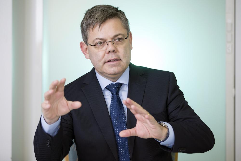 SVP-Präsident Franz Grüter ist froh darüber, gibt es die SVP, die das «Asylchaos»zum Thema macht.