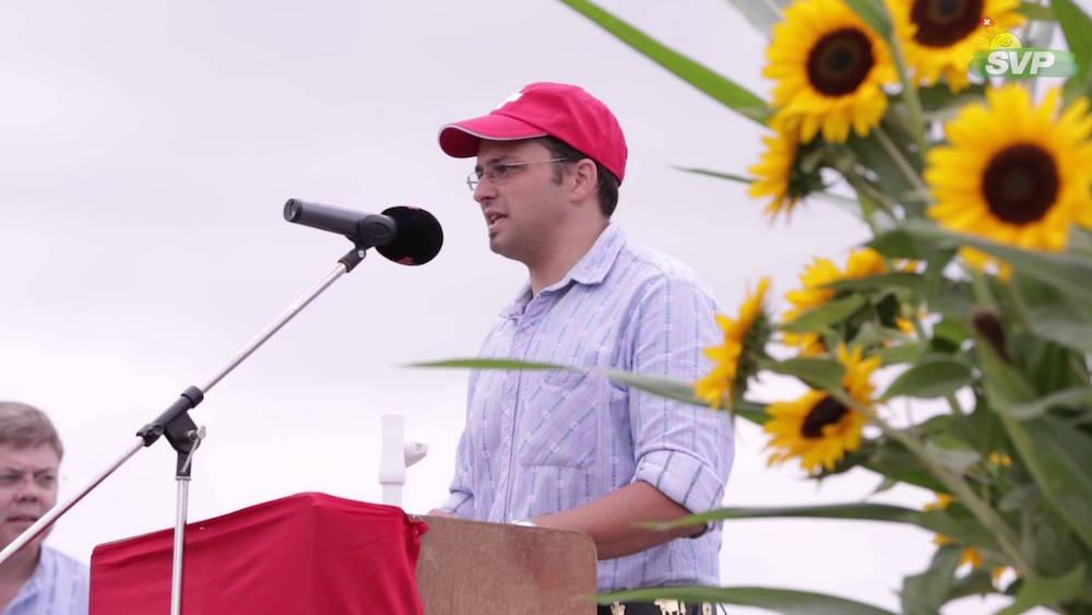 Thomas Schärli, hier an einer Wahlkampfveranstaltung der SVP, will hoch hinaus.