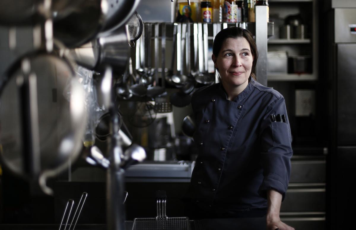 Michèle Meier fühlt sich wohl in der Küche.
