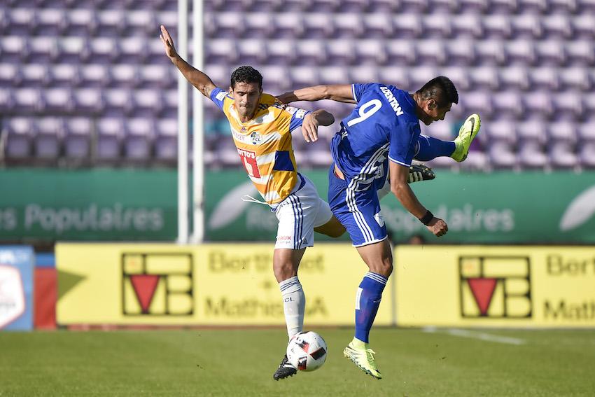 Hat bislang enttäuscht: Ricardo Costa (links) im Zweikampf gegen den Lausanner gegen Kwang Pak.