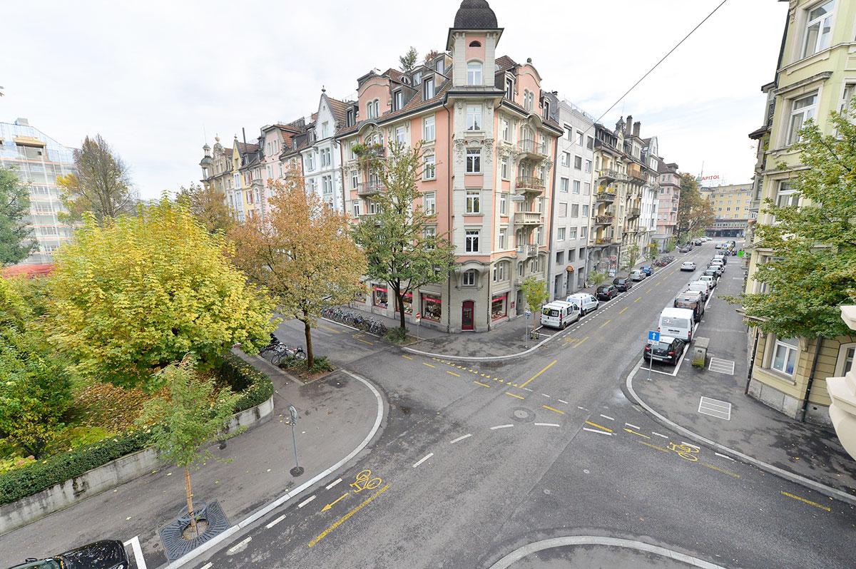 Im frisch sanierten Hirschmattquartier – hier an der Sempacherstrasse – hat sich die Situation auch für Fussgänger verbessert. (Bild: Stadt Luzern)