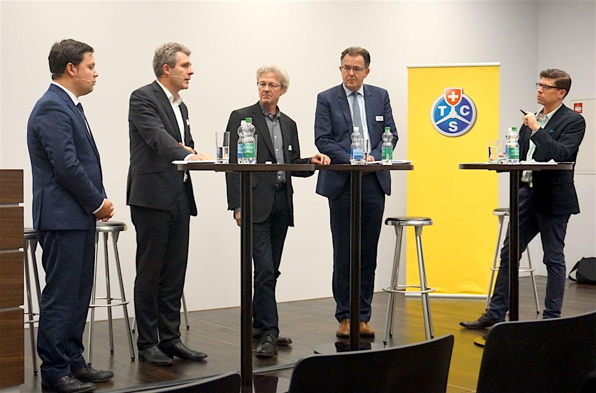 Die Runde (von links): Thomas Rühl, Markus Lötscher, Adrian Borgula und Peter Schillinger. Moderiert wurde das Podium von LZ-Chefredaktor Jérôme Martinu.
