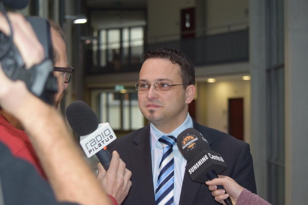 Thomas Schärli erlitt eine herbe Niederlage: Der SVP-Kandidat erreichte nur 17,5 Prozent der Stimmen.